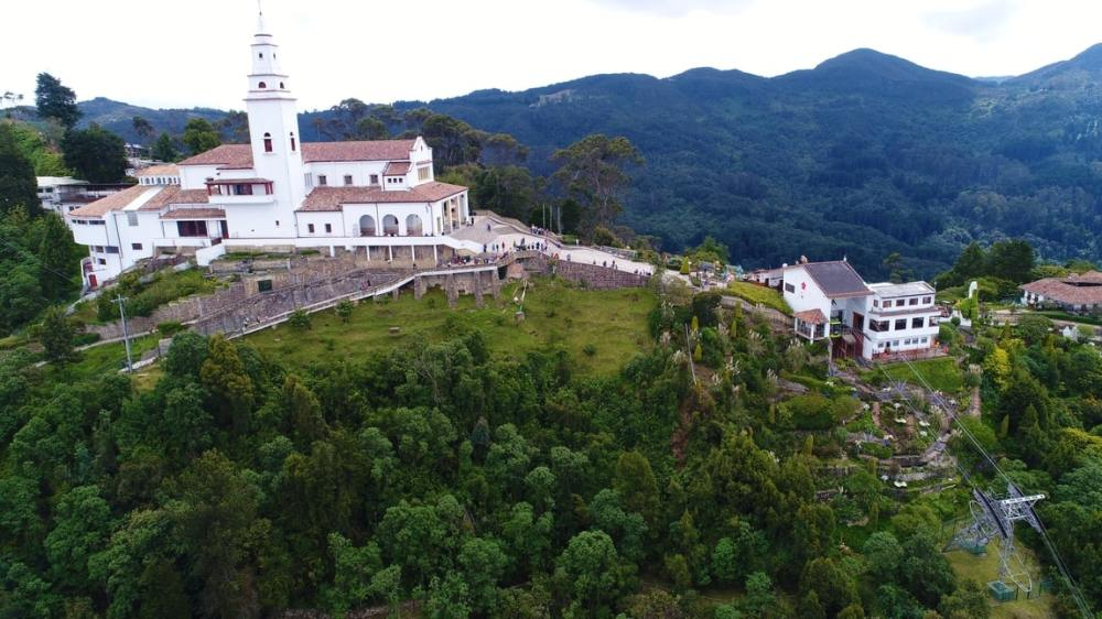 Monserrate-Tour-Bogota